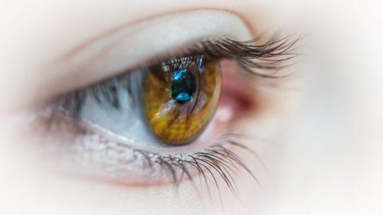 Occhi che si arrossano: perché e come risolvere
